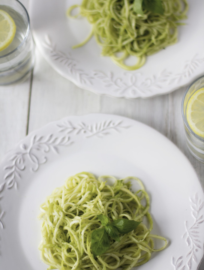zucchini noodles with avocado herbs pesto