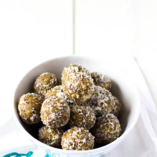 Coconut – Almond Energy Balls