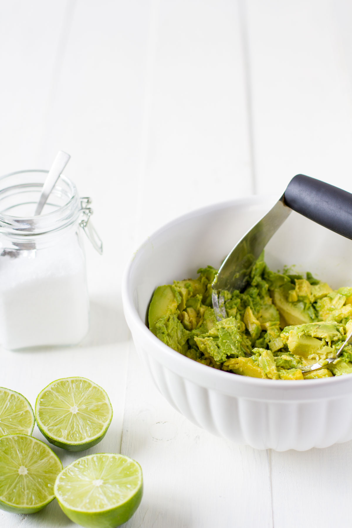 quick-and-easy-guacamole-4